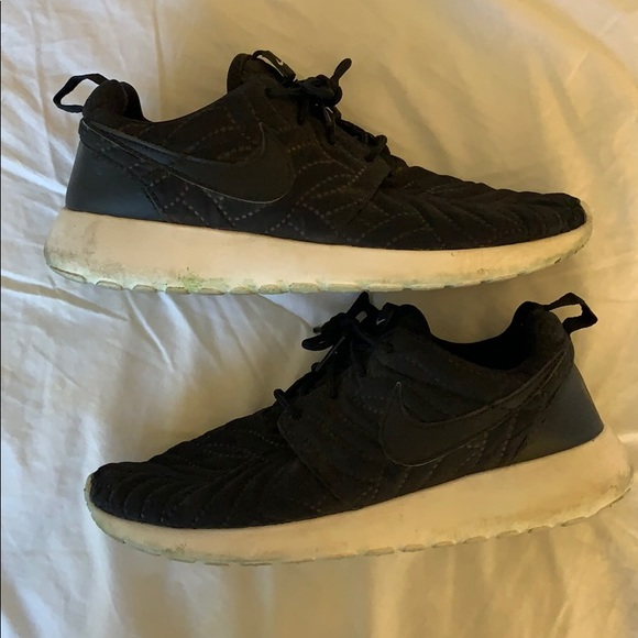 Fiel Exponer Susteen  Nike Shoes | Black Quilted Nike Running Shoes W White Sole | Poshmark